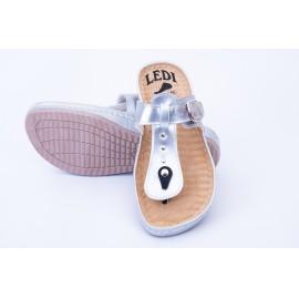 Női bőr papucs fényes ezüst csatos lábujjközi 701/L5